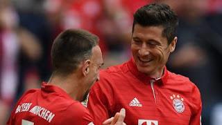 Bayern Munich Lumat FC Augsburg 6-0