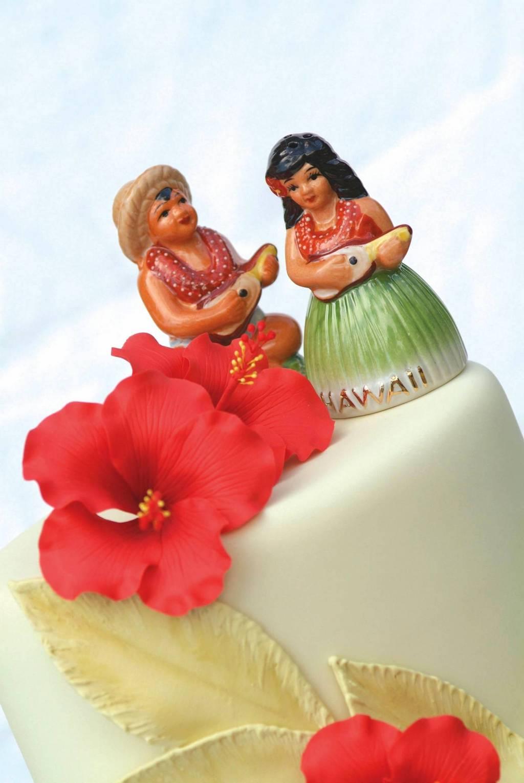 7 Best Hawaiian Wedding Cake Toppers | Wedding Celebration