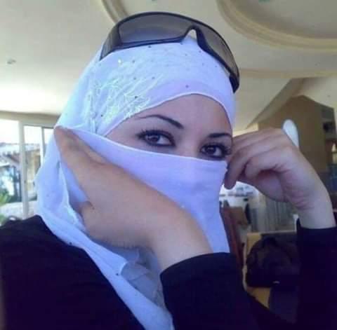 خليجية مقيمة في السعودية أبحث عن شريك الحياة أحب التعارف و الزواج و أقبل الزواج المسيار