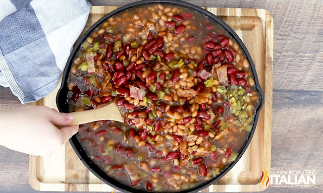 smoked baked beans - mix and stir