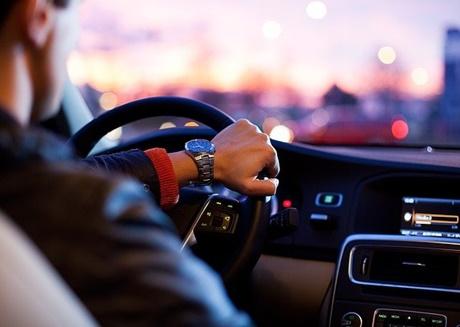 Drama muntah di mobil
