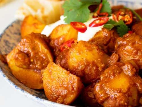 Potato curry recipe   Delicious Aloo Curry Recipe make at home