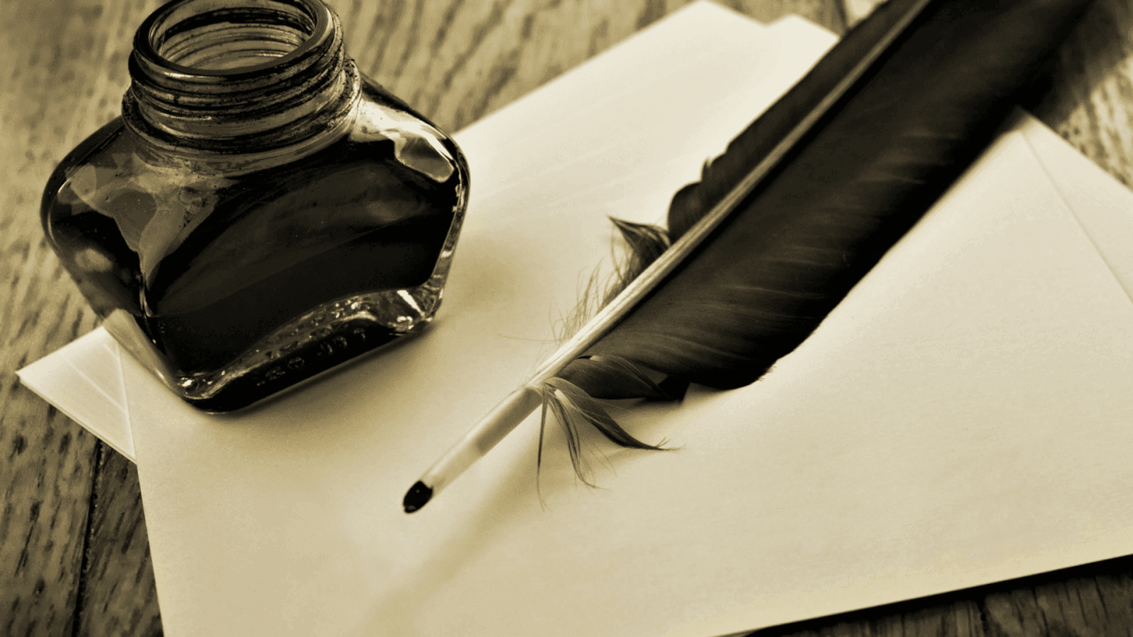 pena preta sobre papel