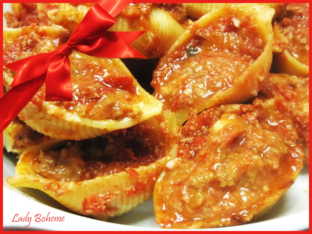 hiperica di lady boheme blog di cucina, ricette facili e veloci. Ricetta conchiglioni ripieni di carne e besciamella
