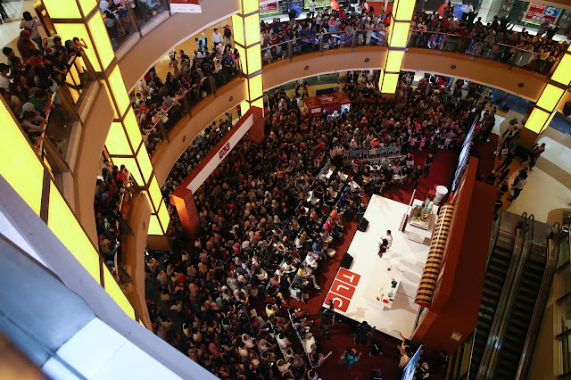"View of ""Cake Boss"" fans at Sunway Pyramid"