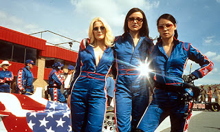 review charlies angels 2000