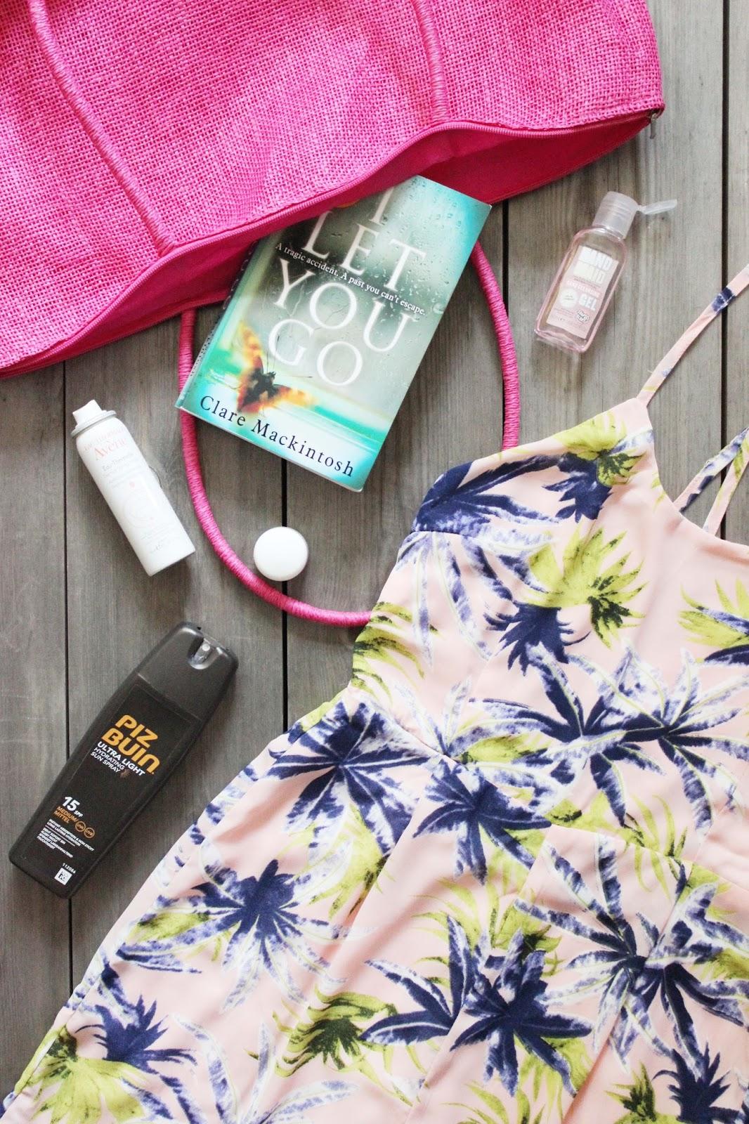 Top 5 Beach Bag Essentials | Boohoo