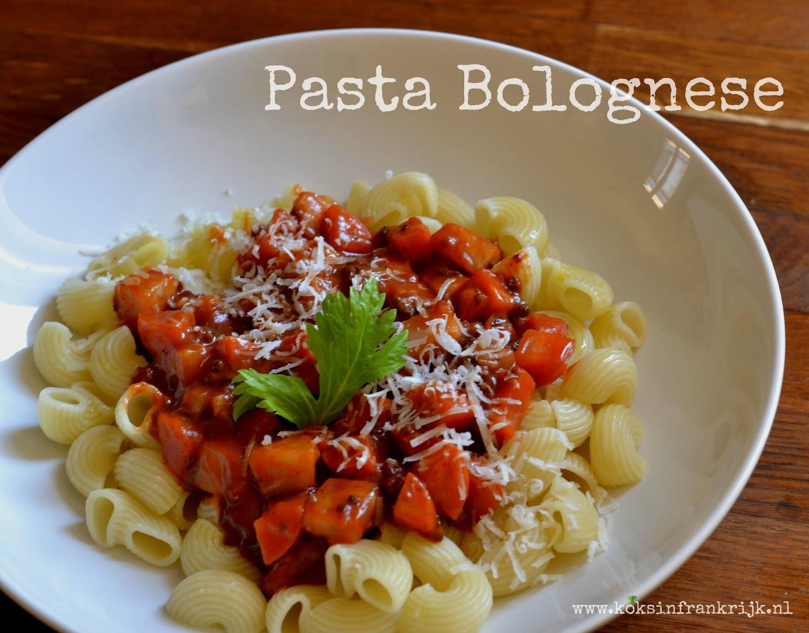Pasta met zelfgemaakte Italiaanse Bolognesesaus.