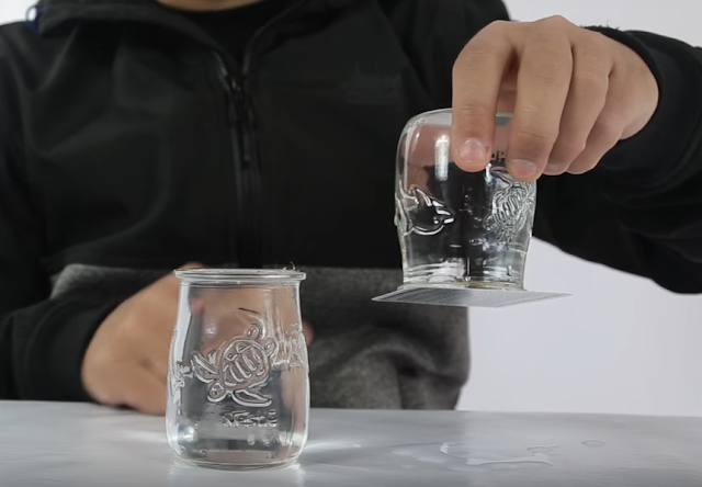 carta, sobre vaso, agua