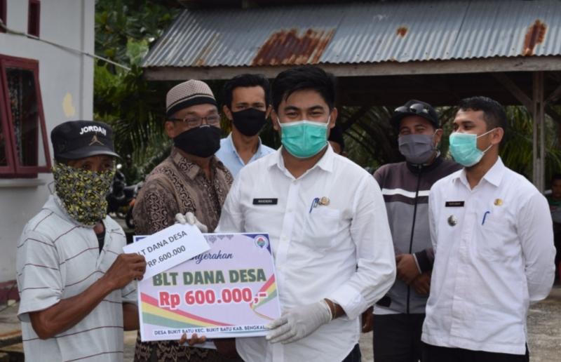 Bukan Asal Tunjuk, Desa Bukit Batu Lakukan Pembagian Bantuan Langsung Tunai Dana Desa Tahap Pertama