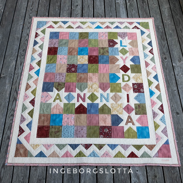 Anni's Quilt with flying gees border