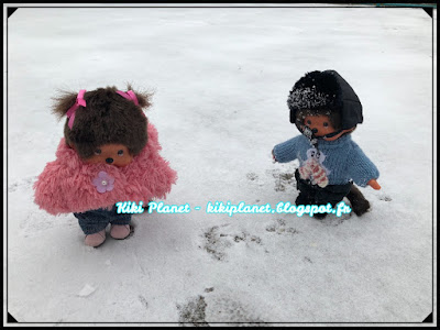 neige snow kiki monchhichi bonhomme de vintage jouet hiver paysage