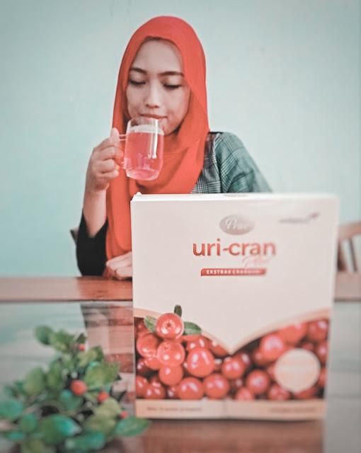 Minum Prive-Uricran setiao hari untuk menjaga kesehatan saluran kemih sehingga terbebas dari anyang-anyangan dan ISK.