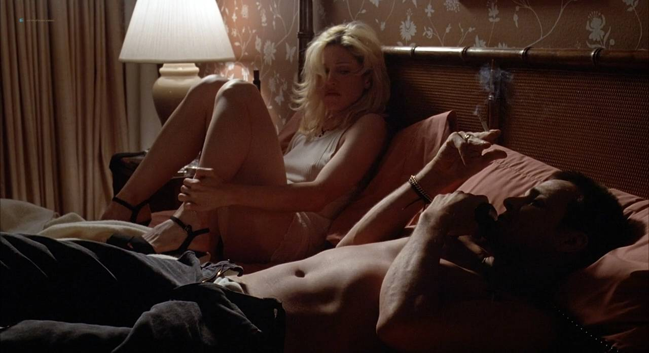 Lesbian scene from julianne moore and amanda seyfried 2