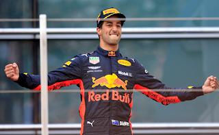 FÓRMULA 1 - Ricciardo se lleva una increíble victoria en China