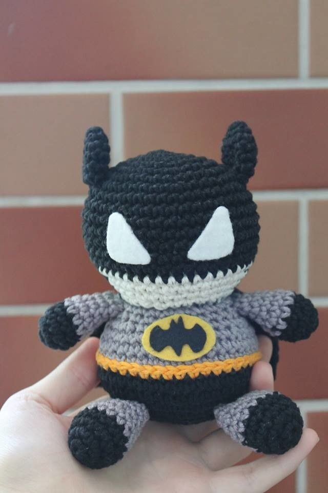 Batman Amigurumi Crochet Doll Pattern | Crochet batman, Crochet ... | 960x640