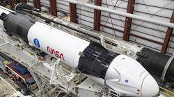 Tại sao NASA không bắt đầu sử dụng các tên lửa tái sử dụng như SpaceX và Blue Origin thay vì chế tạo SLS khổng lồ?