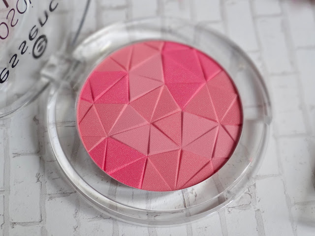 Essence Mosaic Blush in Berry Connection