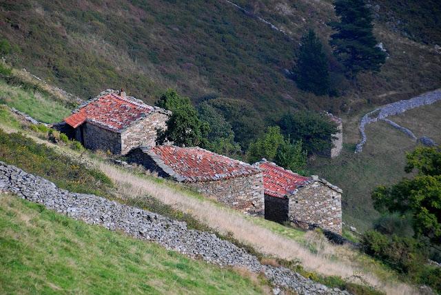 Braña de invierno de vaqueiros de alzada en Salas Asturias