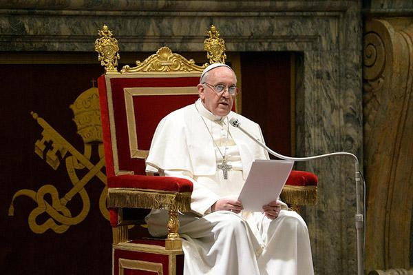 El Papa elogió a los monjes armenios Mejitarista