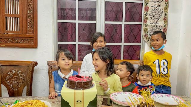 8TH BIRTHDAY DHIA BATRISYA DI RUMAH