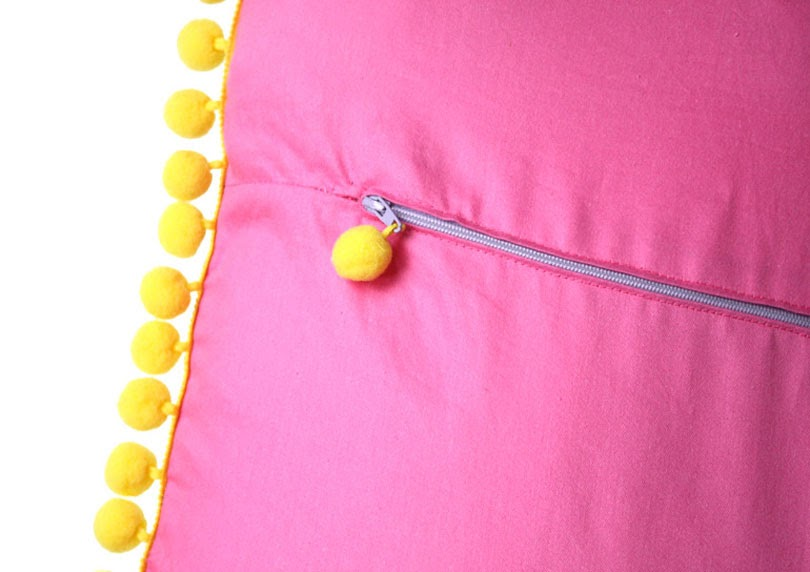 diy pom pom cushion cover