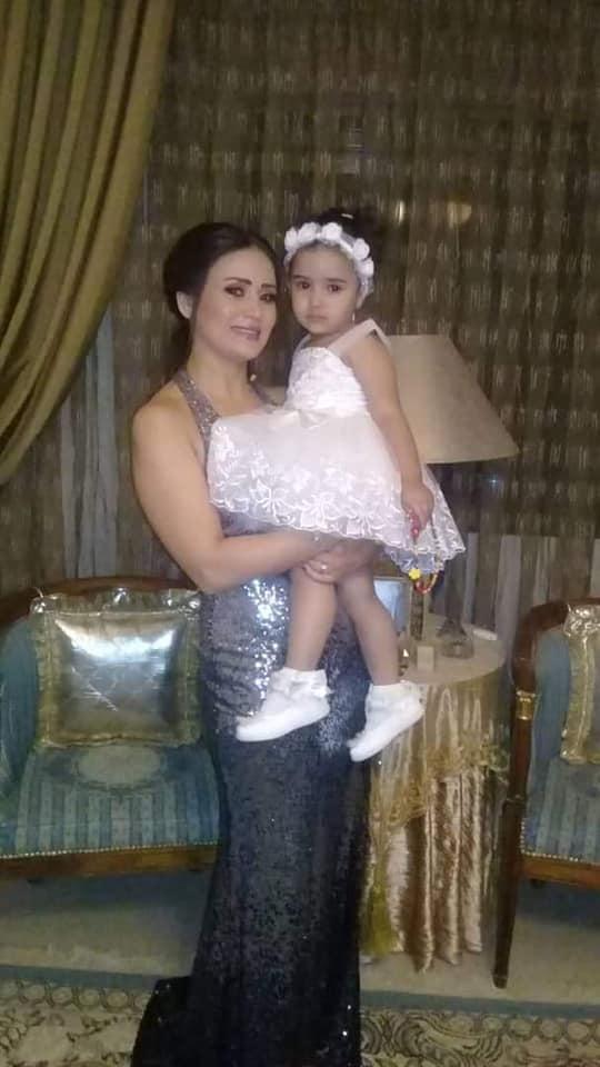 النجمة السورية هلا يماني تحتفل بعيد ميلادها مع أسرتها