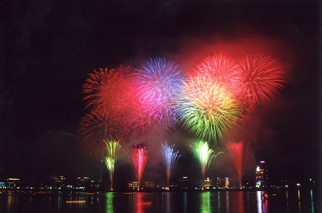 HCM City's plan for weekly fireworks blasted 2