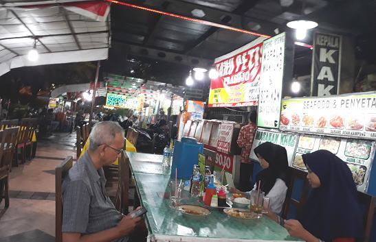 wisata kuliner di Simpang Lima, Semarang