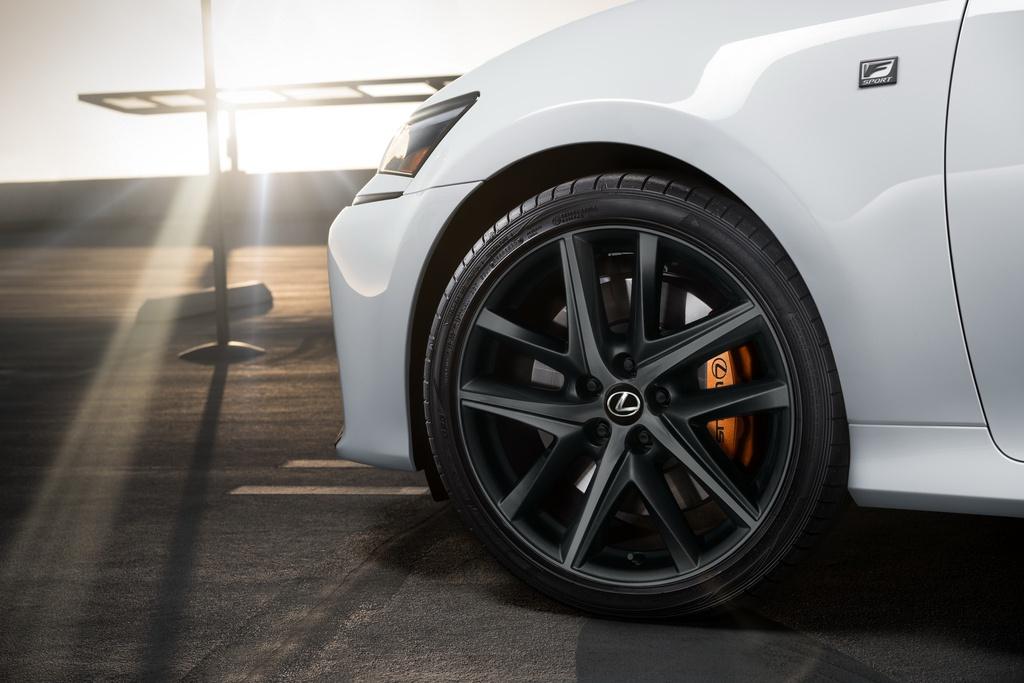 Lexus GS Black Line ra mắt - giới hạn 200 chiếc, chưa có giá bán