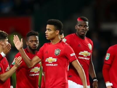 Manchester United duo missing from squad to take on Burnley