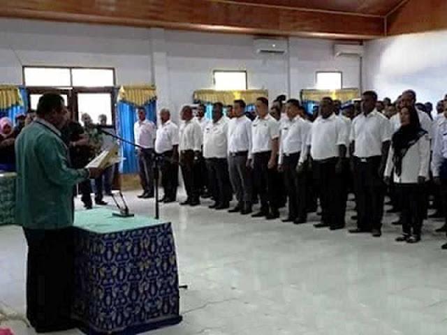Abdul Faris Umlati Lantik 227 Pejabat Eselon III dan IV di Pemda Raja Ampat