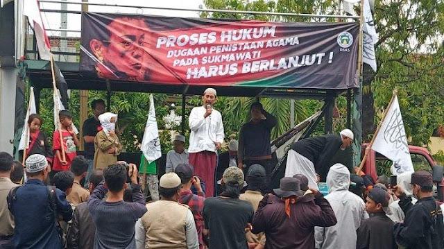 Bawa Mobil Komando, Ormas di Solo Tuntut Sukmawati Diadili karena Dugaan Penistaan Agama
