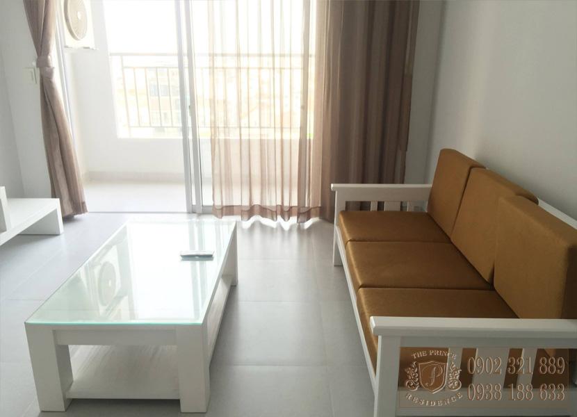 The Prince Residence cho thuê căn hộ 49m2 -  sofa màu nâu