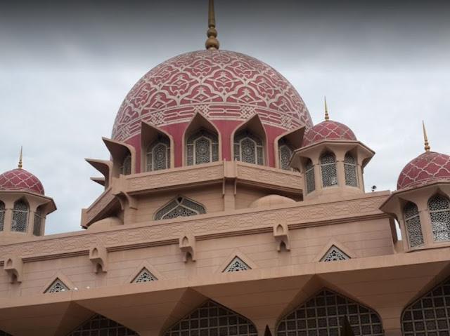 Masjid Putra Di Putrajaya
