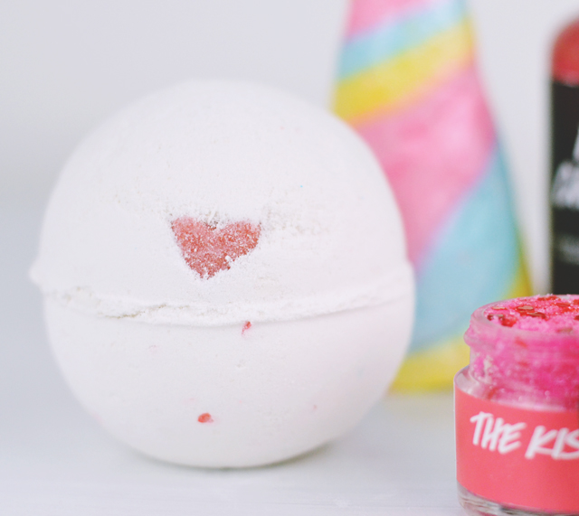 Lush Lover Lamp Bath Bomb Review