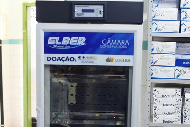 Tanhaçu recebe refrigerador científico para vacinas doado pela Coelba