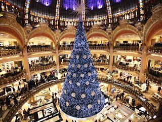 Pohon Natal Di Galeries Lafayette, Paris