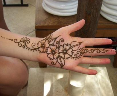 Contoh Gambar Henna Tangan Kiri Yang Mudah Ditiru Dan Motifnya