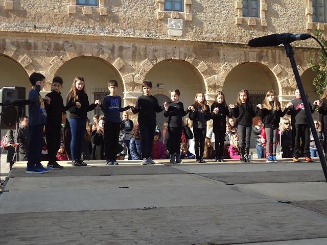 Άρωμα παράδοσης σκόρπισαν στο Ναύπλιο τα παιδιά του Εργαστηρίου Ελληνικού Χορού