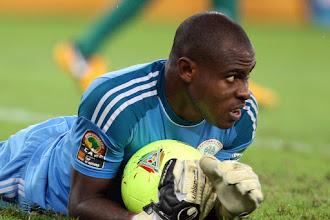 Respect Enyeama's decision, Shorunmu tells Rohr