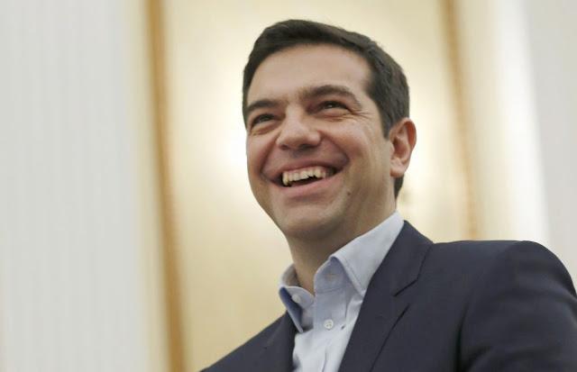 Ο Πρόεδρος της Δημοκρατίας Προκόπης Παυλόπουλος χαιρετά τους πολίτες της Καστοριάς-Βίντεο
