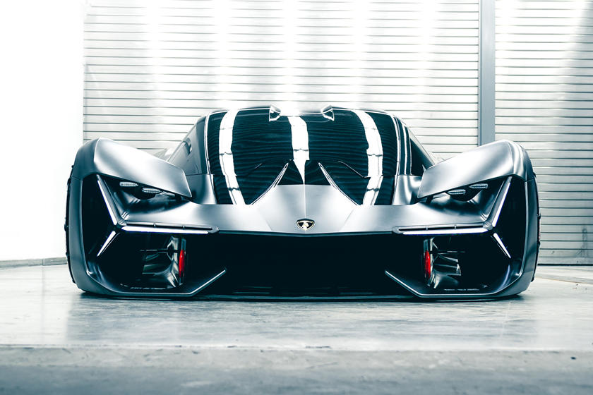 Lambo's First Hybrid Coming To Pebble Beach