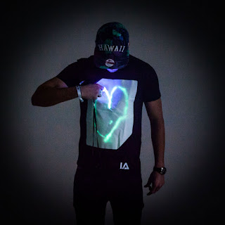 https://www.radbag.de/interaktives-glow-t-shirt