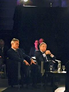Jean Todt suit attentivement la conférence