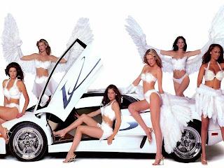 arabaya yasalanan güzel kızlar bayan kız görüntüleri arka plan welpaper
