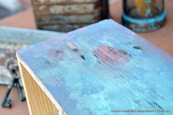 Efecto oxidado en madera pintada
