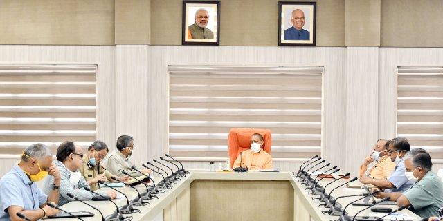 मुख्यमंत्री योगी ने औद्योगिक विकास से सम्बन्धित विभिन्न विषयों की समीक्षा की