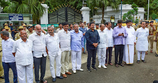 decision-to-disqualify-the-rebel-mlas-of-karnataka-is-appropriate-will-be-able-to-contest-the-by-elections