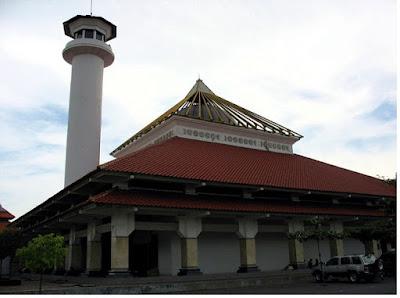 Masjid Agung Sunan Ampel - pustakapengetahuan.com